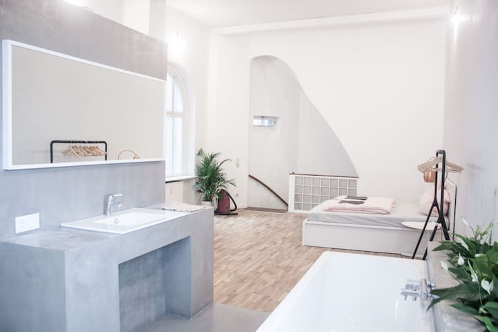Fresh spacious luxurious loft , central 120 qm - Bremen - Çatı Katı