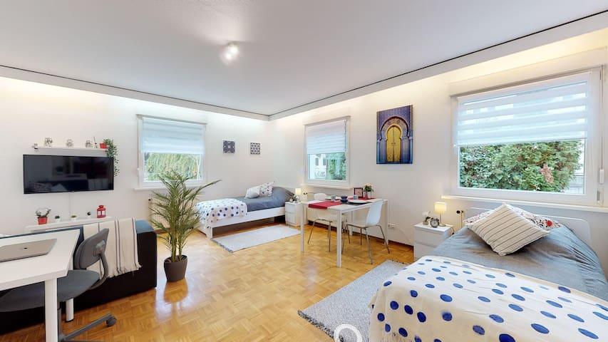 Gemütliche eingerichtete 2 Zimmer Wohnung