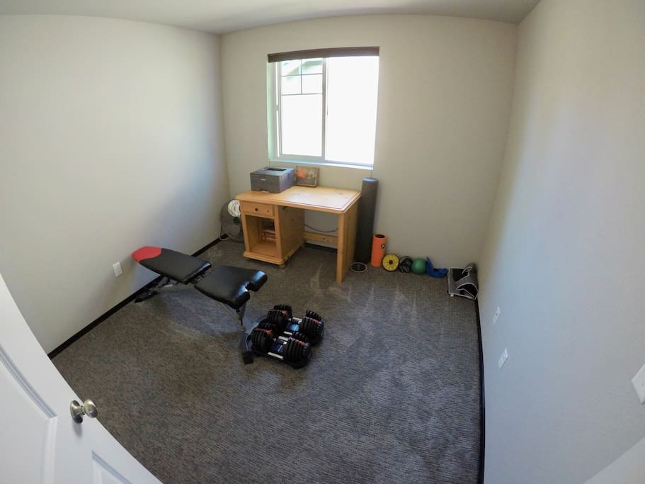 Private Upstairs Bedroom #2 Gym/Office without memory foam mattress