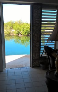 2BD Waterfront Apt. The Boathouse Fly Fishing Camp - Cooper Jack Bay Settlement - Wohnung