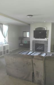 Extremely Clean Full Basement,20 mins from Airport - Stansbury Park - Apartamento