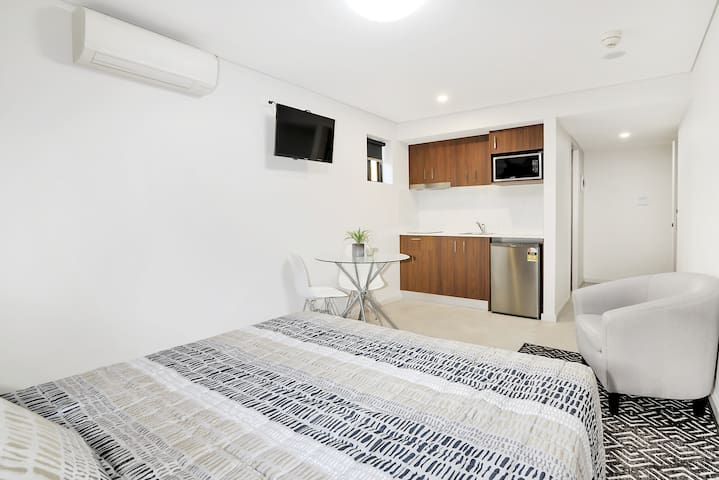 Brand new studio 2 with parking and kitchen