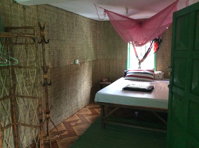 1 chambre terrasse privee salle de bain rdc,salon - Krong Preah Sihanouk - Pis