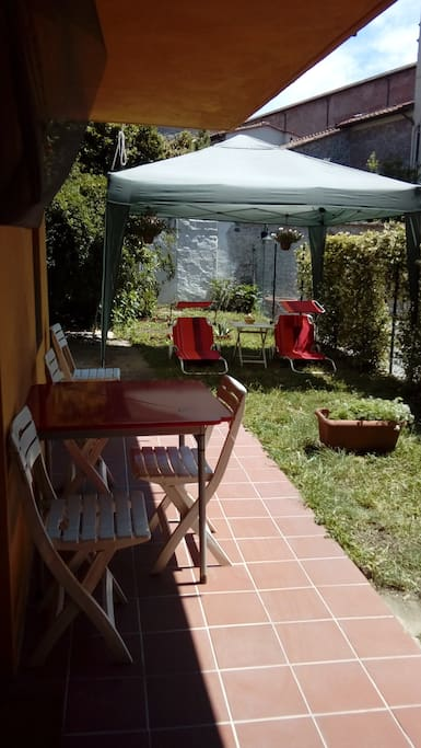 Private garden area: there are also a gazebo, a table and 2 sunbeds