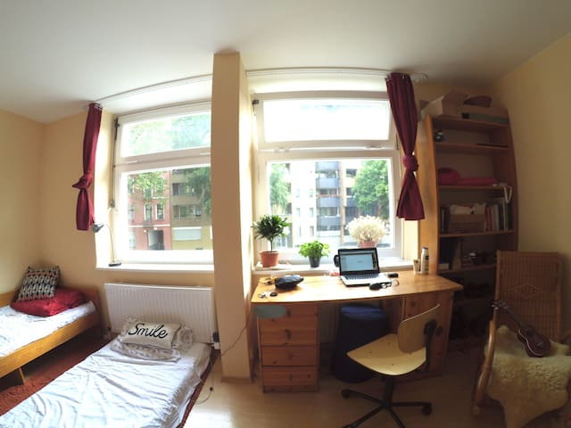Studio room with two beds - Berlin - Bed & Breakfast
