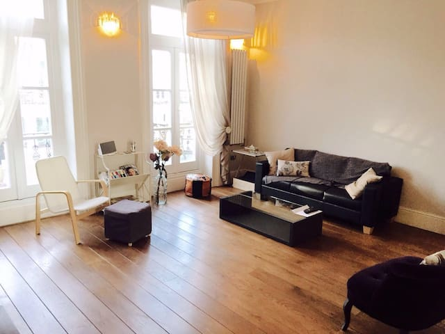 Spacious home in Chelsea, sleeps 6 , three bed - Londres - Casa