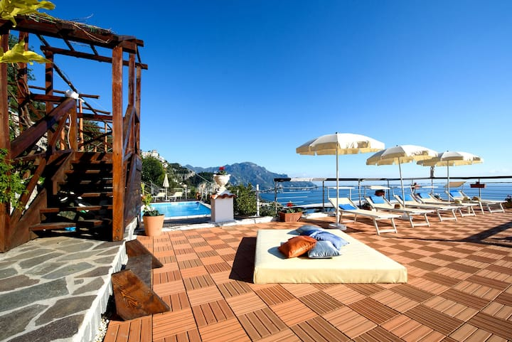 HOLIDAY HOUSE 'LE PALME' B&B AMALFI