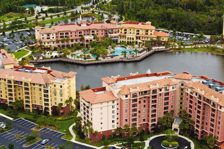 Deluxe Two Bedroom Condo at Bonnet Creek (A502)