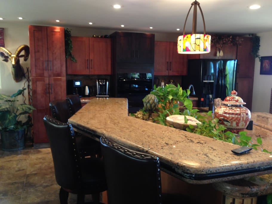 Granite breakfast bar area is a great way to start the day!
