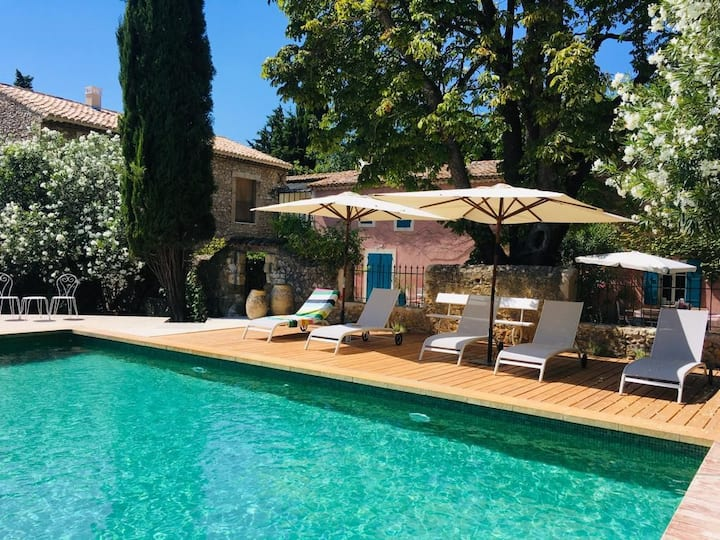 Le Mas de la Sorgue, Gris Room- Swimming pool