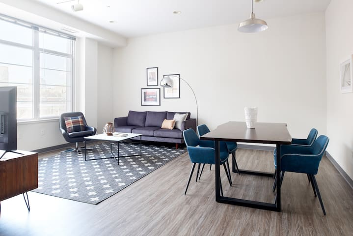 Sonder | SoWa | Beautiful 2BR