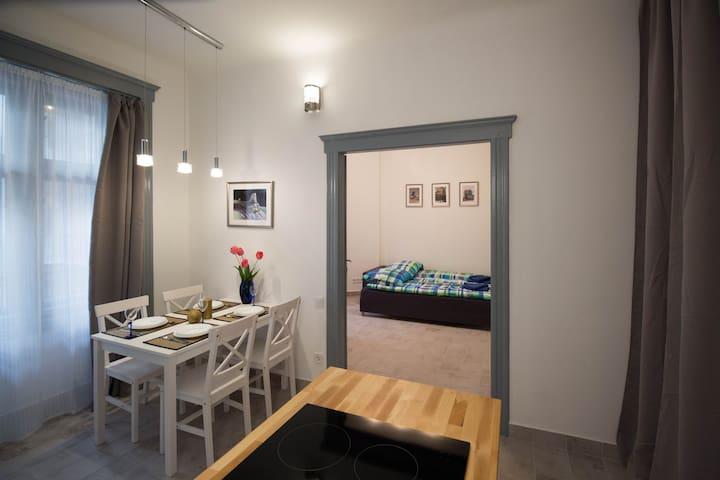 Professional Bijou Apartment