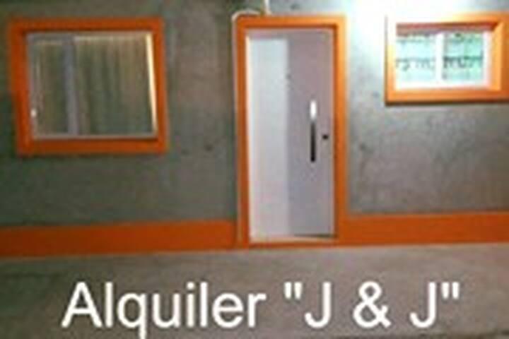 "Alquiler ""J &J"""