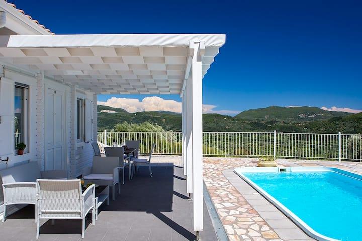 Romantic villa with Panoramic Sea Views