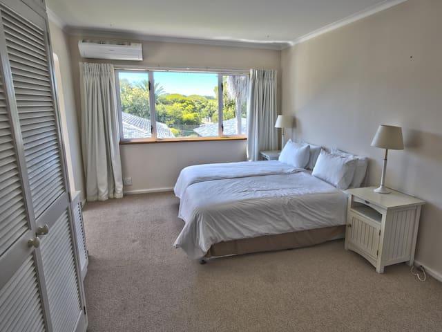 Villa Karibu - Third Bedroom (extra charge)