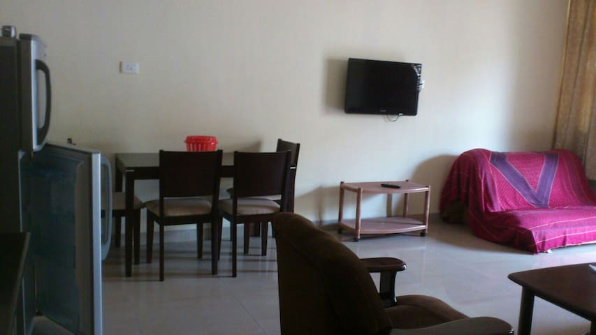 Comfortable 1BHK apartment - varca before Taj exotica - Ev