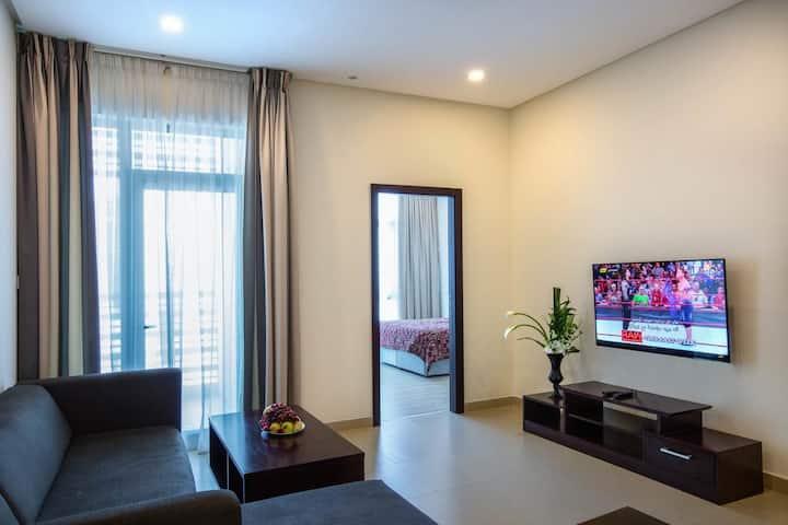 Entire 1 Bedroom+2 Bath+WiFi+House Keeping+🏠Keep
