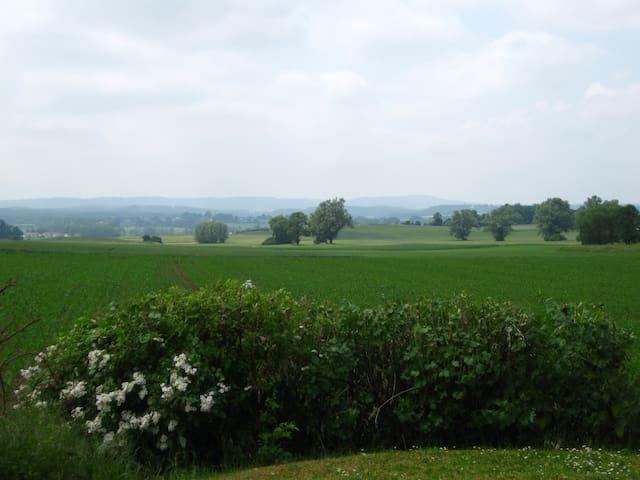 Traumhaft ruhige Ferienwohnung - Kulmbach - Leilighet