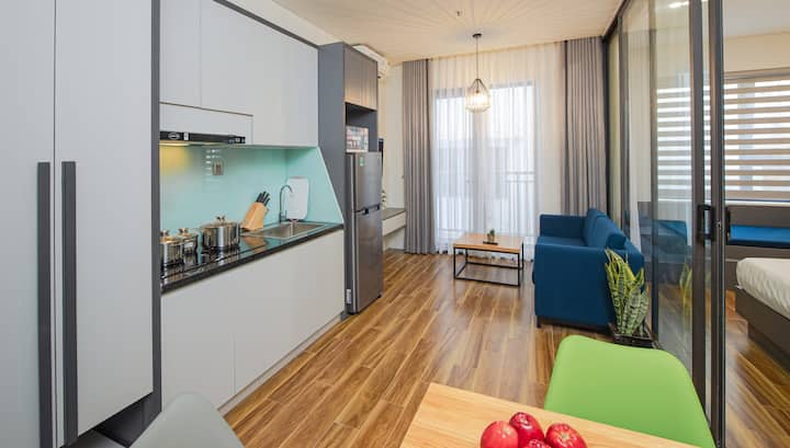 H-SUITES ✯ Cozy Apartment with Rooftop Pool