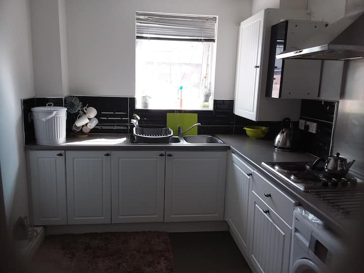 Cosy BEDROOM in New Appartment 10mi Walk2citcentre