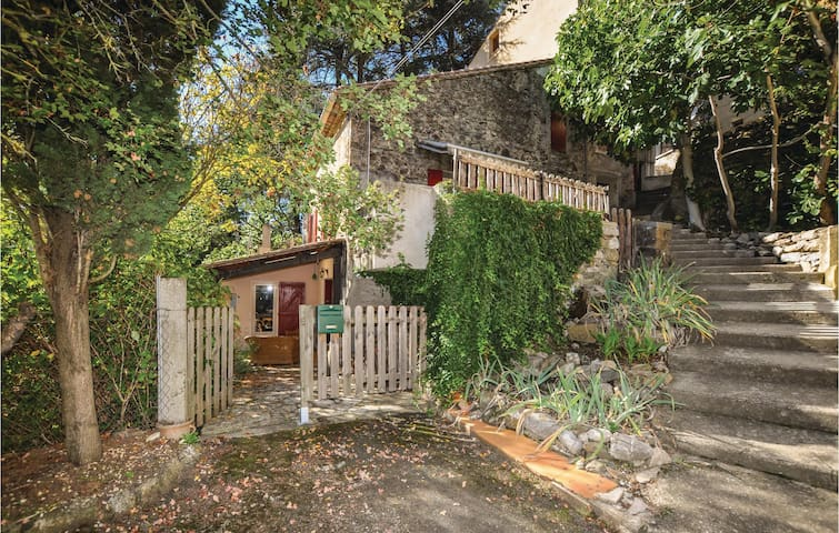Semi-Detached with 2 bedrooms on 90m² in Lanet
