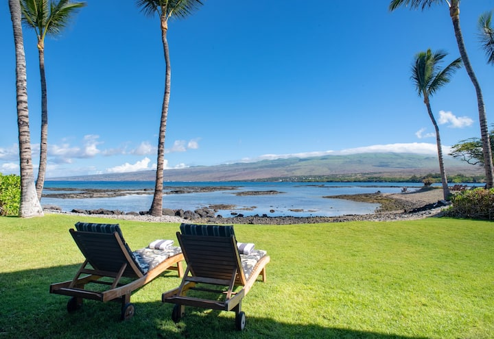 Oceanfront Estate Home at Puako Bay, Luxury & Comfort, Steps from Sand: 10D