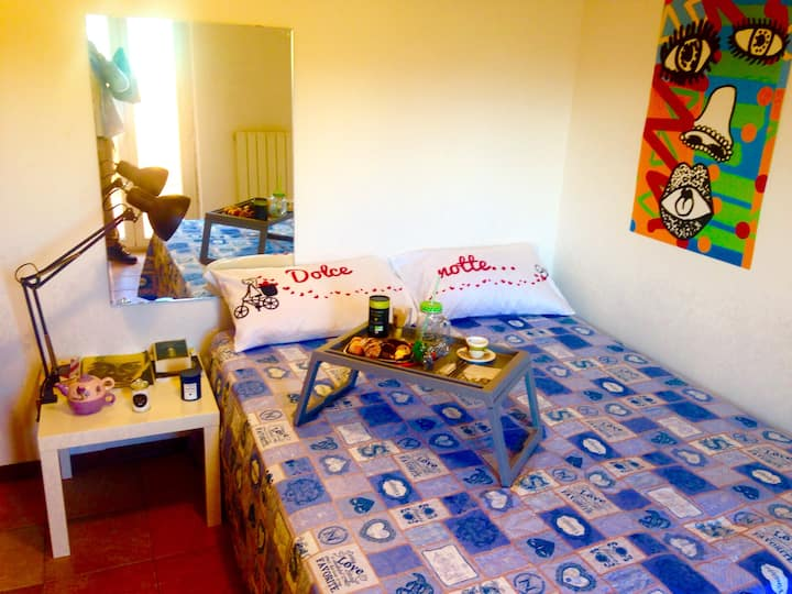 Central and beautiful room with Breakfast & WiFi!