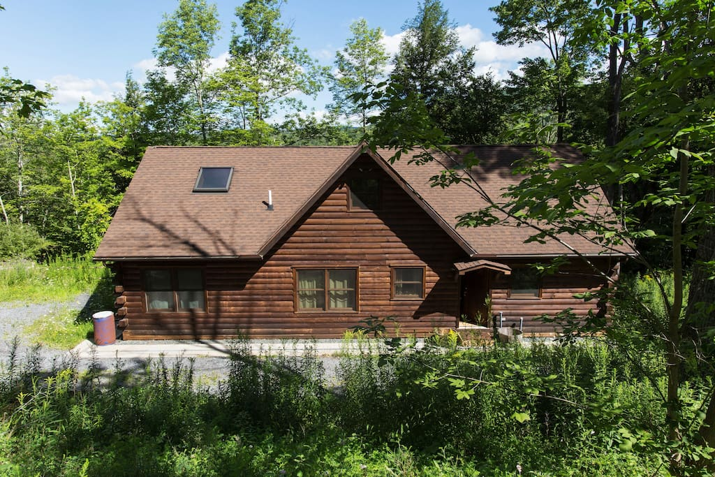 Hunter mountain log cabin houses for rent in hunter for Cabins near hunter mountain