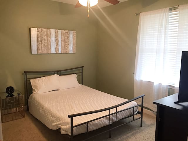 1 mile from Downtown Nashville! - Nashville - Apartment