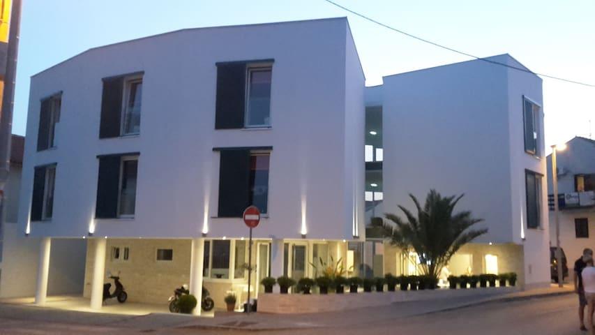 |Hotel|Pansion| Happy Sun Of Pag - Novalja - Bed & Breakfast