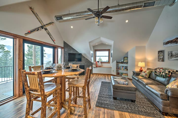 NEW! Couples Retreat w/Scenic View of Bridger Mtns