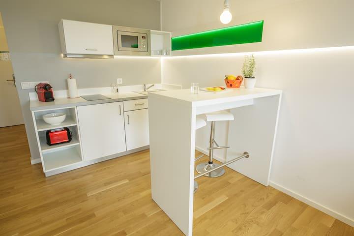 "Brera ""Amazing"" Apartment - Your Smartrate"