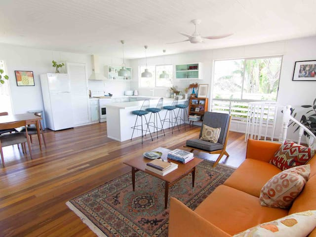 Stylish Beach Abode just 100 metres to the beach