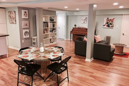 Basement apartment great location! - Lawrenceville - Wohnung
