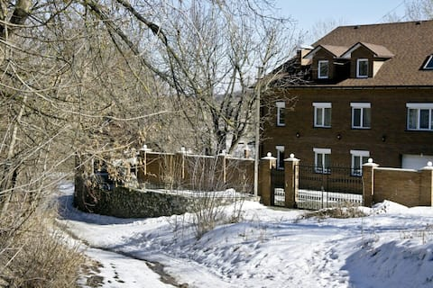 Восхитительные апартаменты в загородном доме