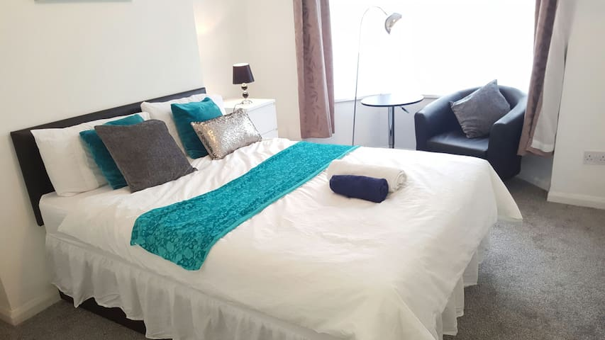 Cosy Double Bedroom Close to City Centre