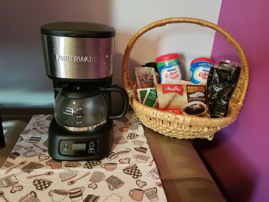 coffee, tea, bottled water and hot chocolate complimentary in room with each rental!!
