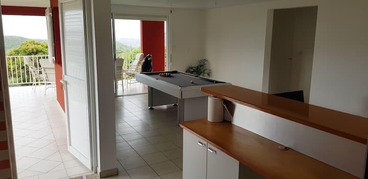 """Appartement """"LUXURY"""" avec vue sur  Fort-de-France"""