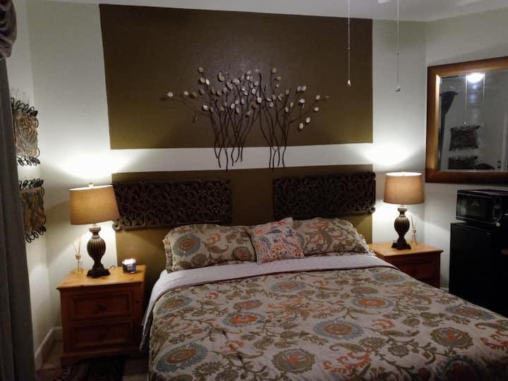 Guests Master bedroom.