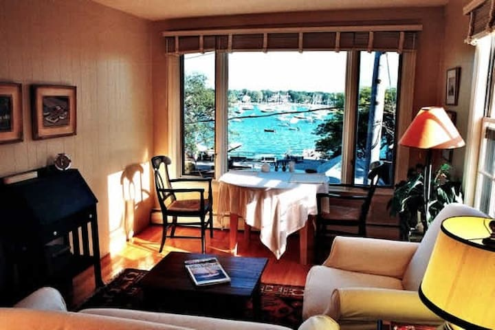 """Honeymoon"" condo Special Offer Nov 4 thru Nov 22"