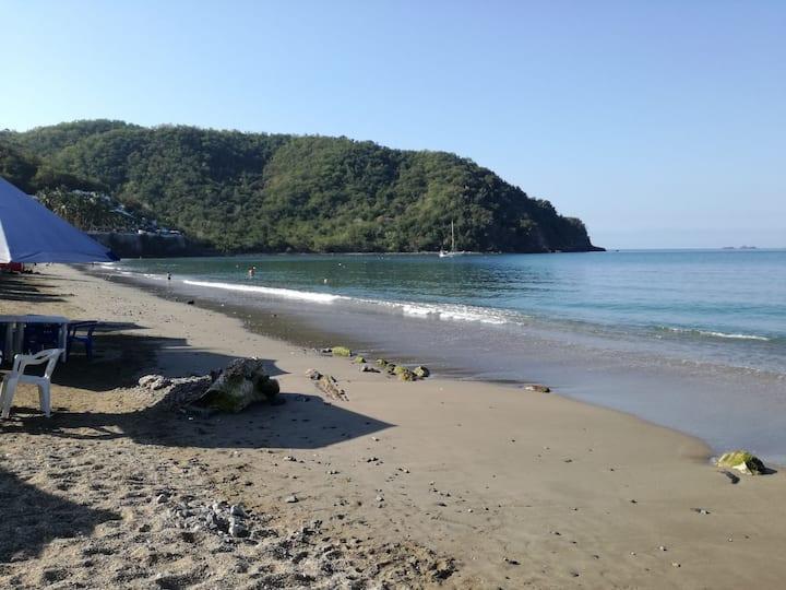 Casa en Cuastecomate a 100 mts de la playa
