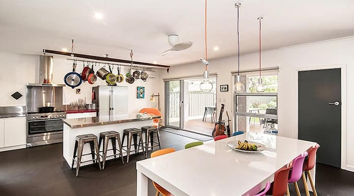 Stunning Busselton Stylish 5-STAR Home by the Sea