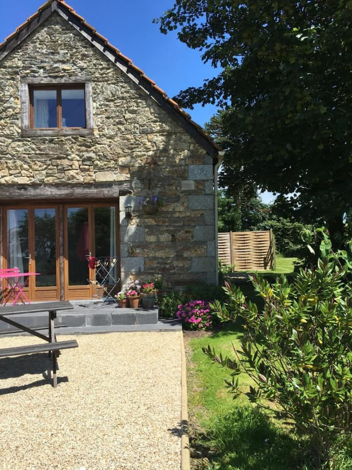 Luxury Two Bed Two Bath Gite set in Beautiful Rural Countryside