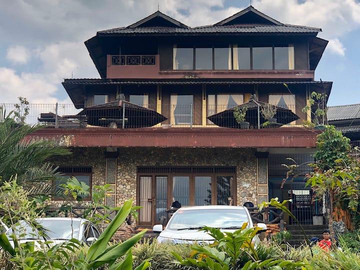 Villa Lembah Citra