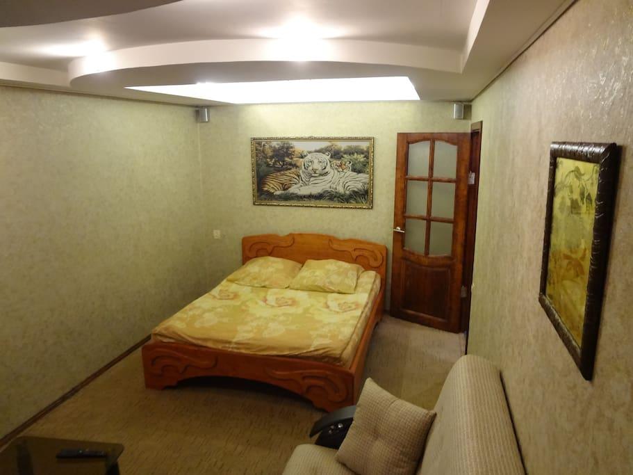 Двойное освещение, двухспальная кровать