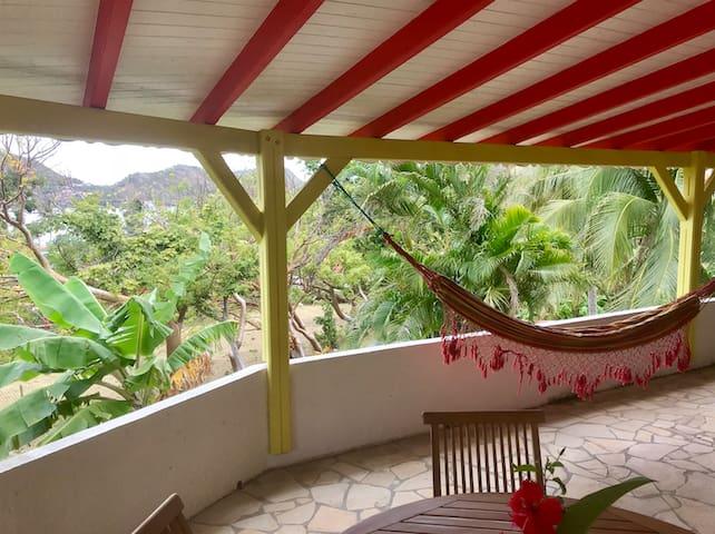 Joli bungalow Manguier proche de la plage.