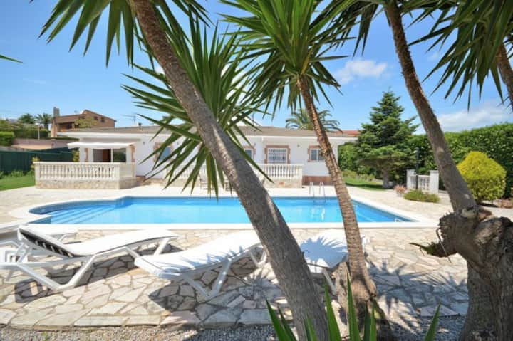 Villa Terrassa, 6/7 pers. Privat pool 10x5, wifi.