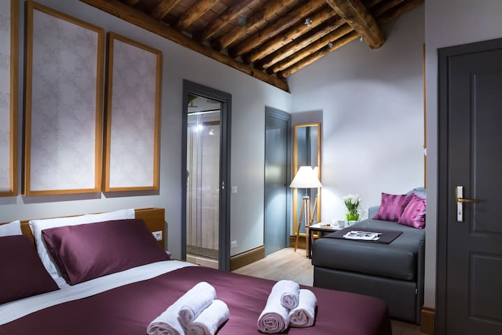 Suite with Jacuzzi at the Spanish Steps