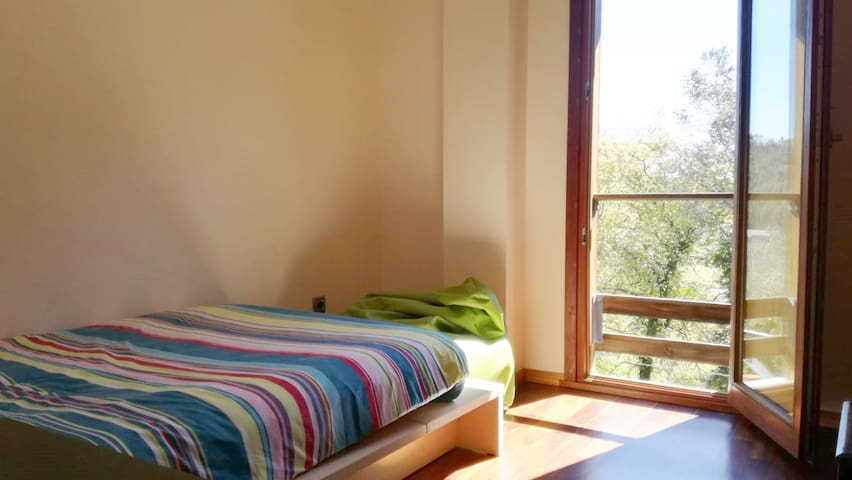 Room 3 - single bed with shared bathroom