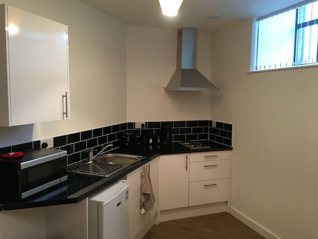 Newly refurbished Stunning Studio Apartment - 1 - 布拉德福德(Bradford) - 公寓